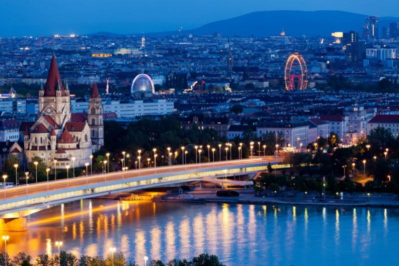 Viena-aerial-Dreamstime-798x532